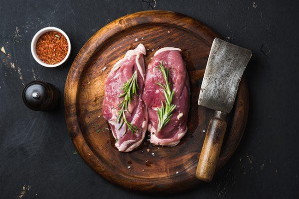 Tartare de canard à la pistache et aux canneberges séchées